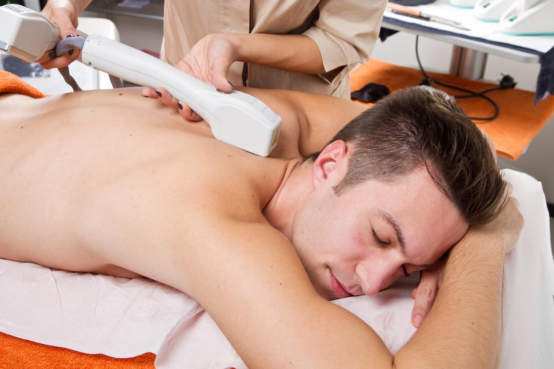 Depilacja pleców mężczyzn Toruń depilacja ramion owłosienia